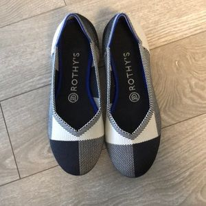 Rothy's Black and White Captoe flats, size 7.